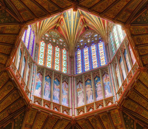 Octagon of Ely Cathedral, with the beautiful Octogon built to replace a romanesque tower which fell down. ely-cathedral-octagon.jpg (575×498)