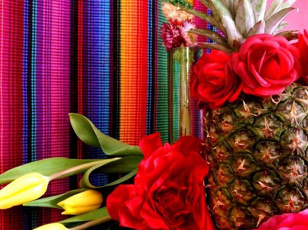 5 forelements pomysly na wielkanocne dekoracje swiateczny stol easter deoration ideas holiday table interior design bold saturated colors projektowanie kolorowy wystroj wnetrz boho etno