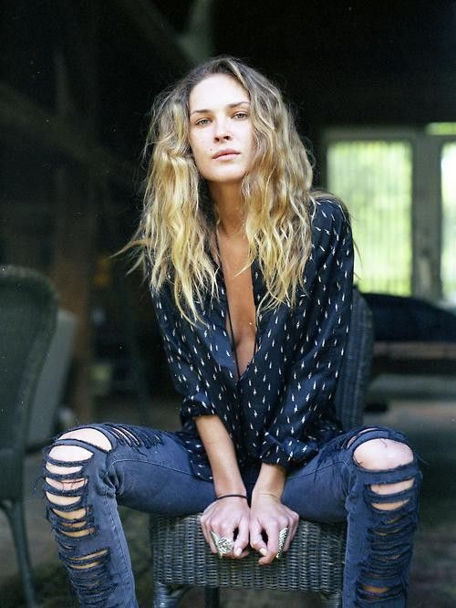 : Beaches Hair, Ripped Jeans, Denim Style, Polka Dots, Messy Hair, Erin Wasson, Street Style, Erinwasson, Style Fashion