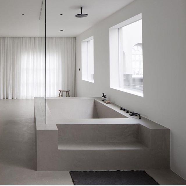 Best 25 concrete bathtub ideas only on pinterest for Concrete bathroom ideas