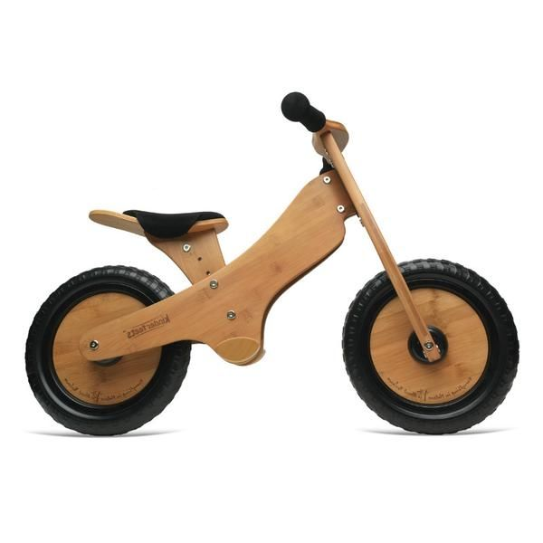 Kinderfeets are patented, award winning wooden two-wheel balance bikes with an ergonomically designed adjustable seat, foot pegs and airless biodegradable tyres.