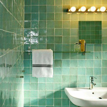 25 beste idee n over groene tegels op pinterest marrokkaanse decoratie - Badkamer natuur hout ...