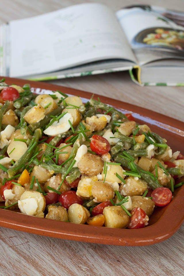 Huis, tuin en keukenvertier: Aardappelsalade met tomaatjes, ei en sperziebonen