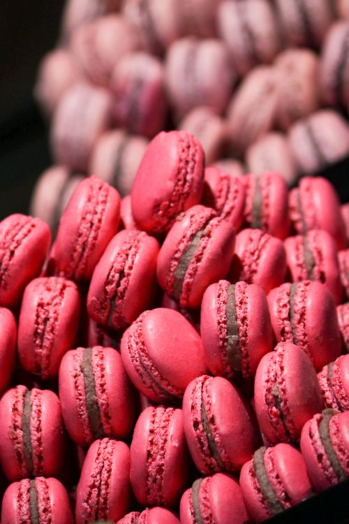 pink macaroonsDesserts, Pink Macaroons, French Macaroonsladur, Sweets, Colors Pink, Food, Yummy Macaroons, French Macarons, Colors Macarons