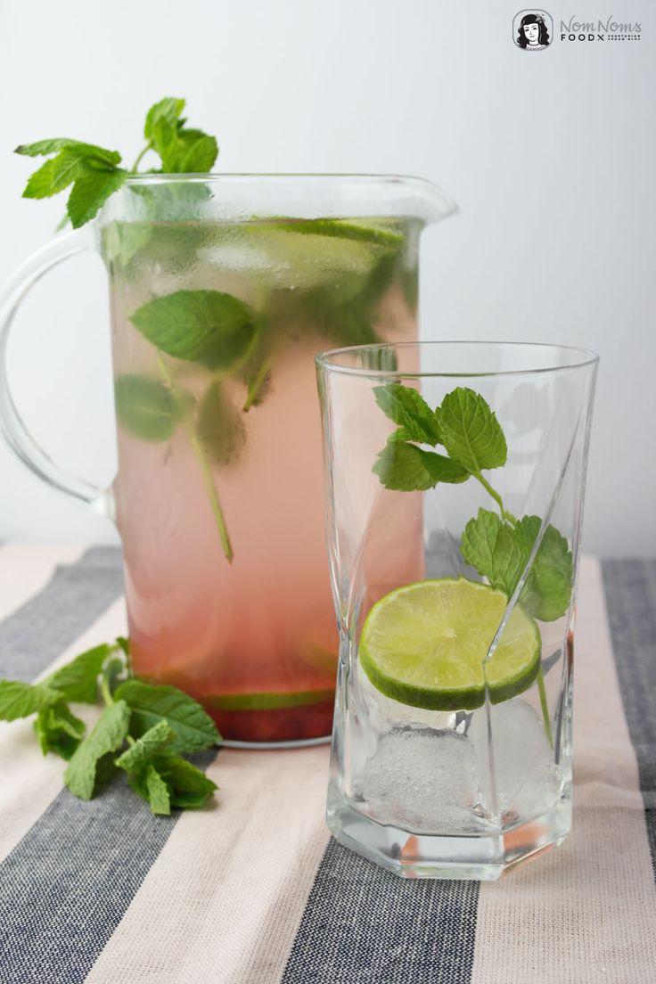 Infused Water   Fruchtiges Wasser mit Granatapfel, Limette und Minze