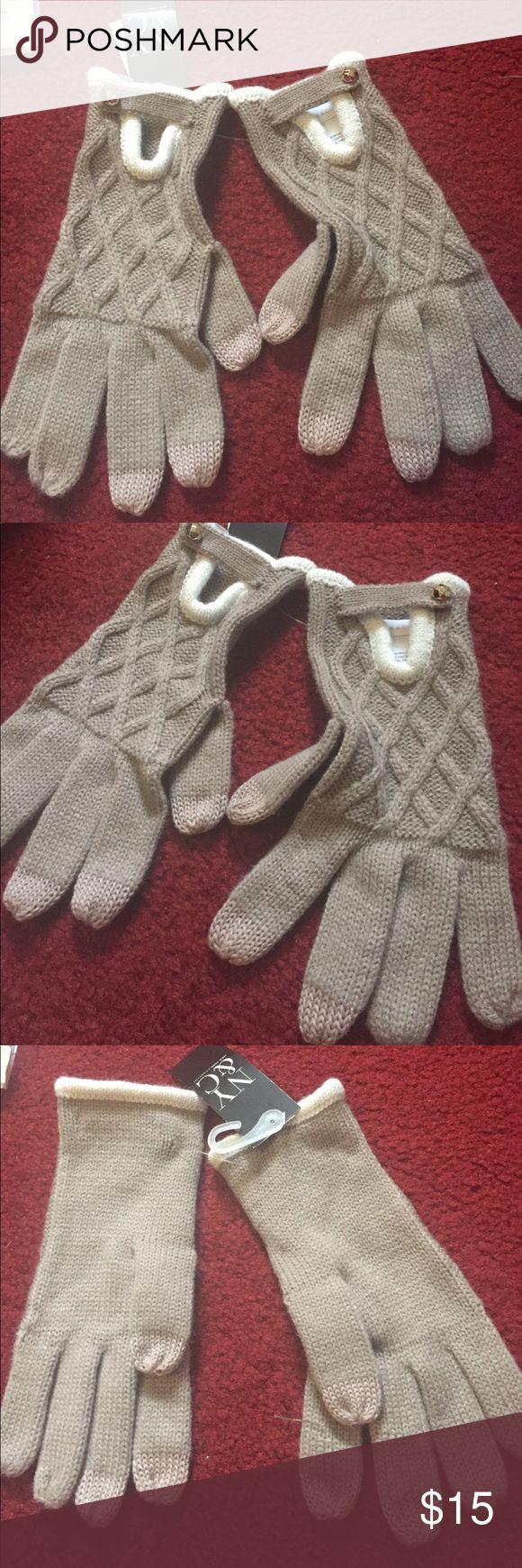 New beige gloves New beige gloves New York & Company Accessories Gloves & Mittens