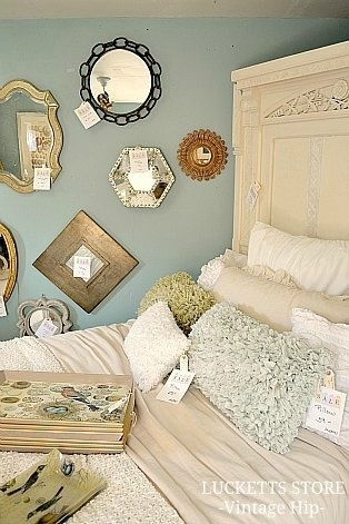 Love the headboard Old Lucketts Store - Design HouseDesign Inspiration, Luckett Stores, Chic Living, Design House'S Lik, Country Shabby, Shabby Chic, Stores Design, Store Design, Bedrooms Ideas