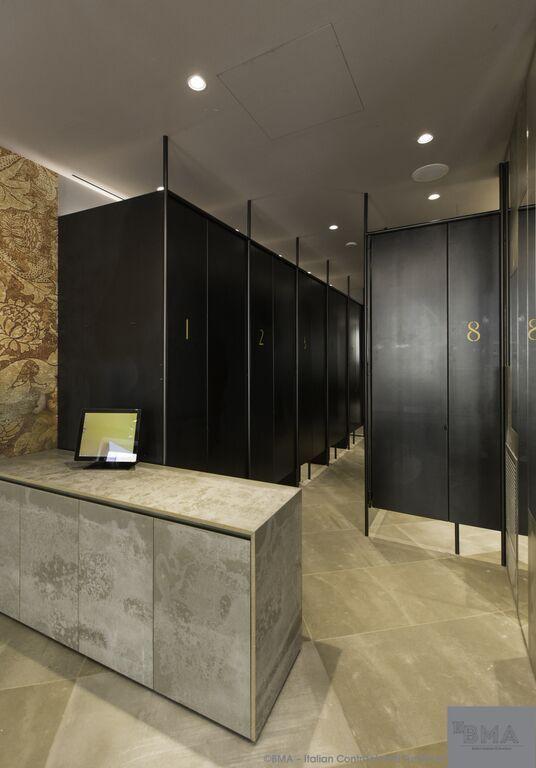 Viroc Grey - Furniture; Flooring Shopfitting clothing store at: Milano, Italia