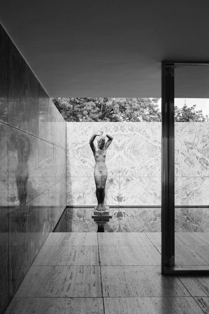 Barcelona Pavilion-Mies van der Rohe – Bartosz Kutniowski Fotografia Architektury #architecturephotogtaphy #fotografia #architektura #barcelona #blackandwhite #miesvanderrohe #architecture #photography #spain