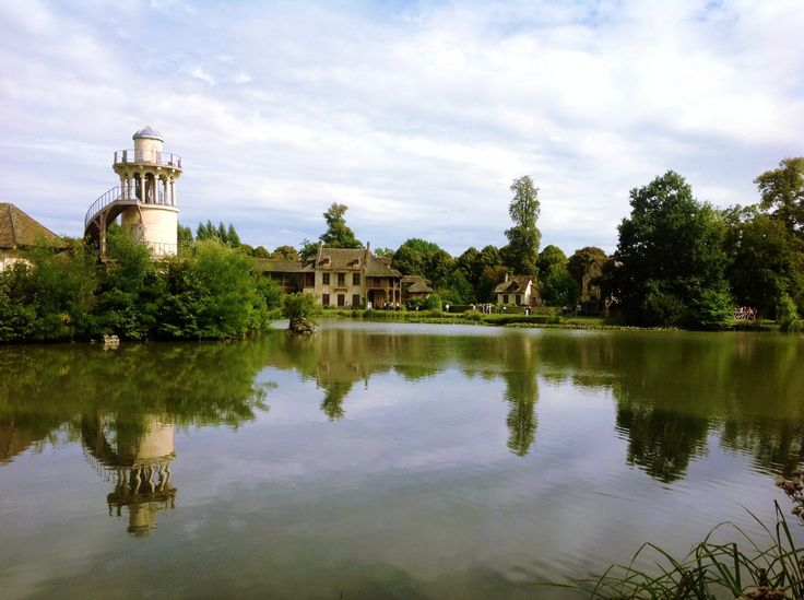 A breath taking view of Marie Antoinette's hamlet in Versailles. ❤