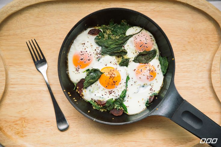 Baked Eggs with Quinoa, Spinach and Chorizo - YUM