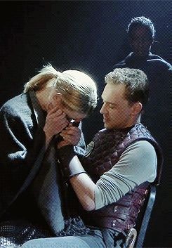 If these Coriolanus *gifs* don't get you all hot and bothered, I can't help you...