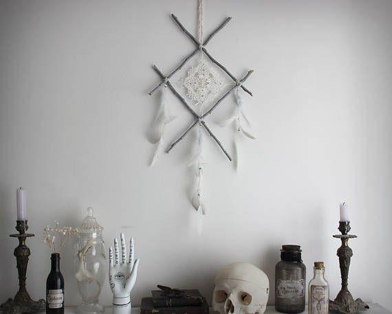Oracle's Eye . suspension murale rune viking bois blanc