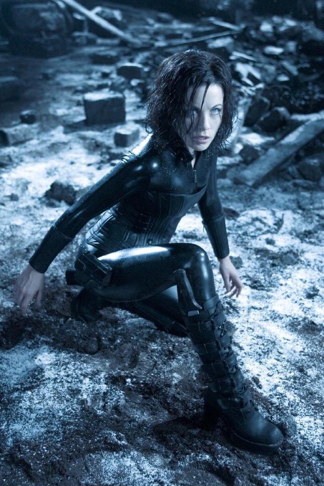 Absolute hottie. Kate Beckingsale... delicious in her black leather outfit.