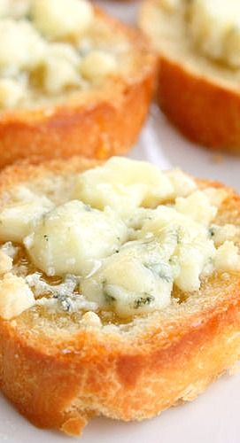 Bruschetta with Gorgonzola and Honey; what a great appetizer!