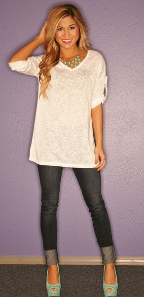 Oversized tee + skinny jeans + platforms. So cute!