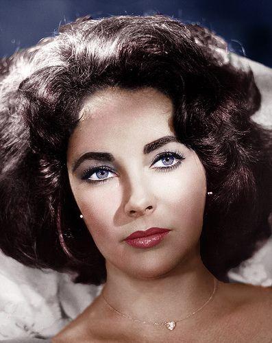 Elizabeth Taylor~Full hair, neck length!