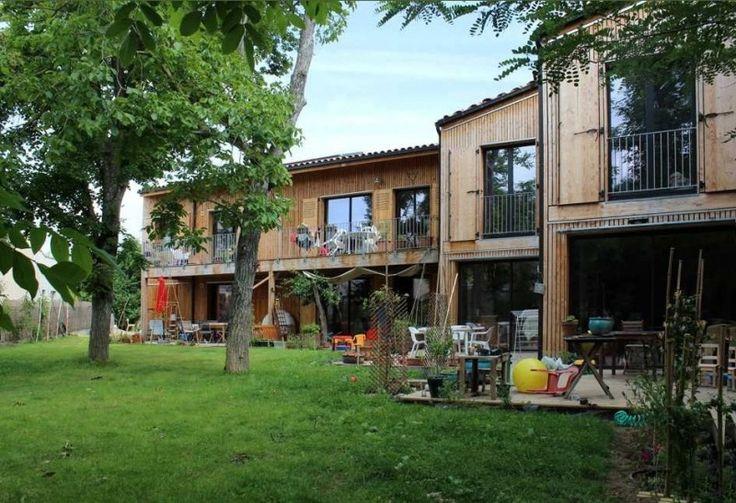 Habitat participatif dans la région Toulousaine, côté jardin. 8 familles