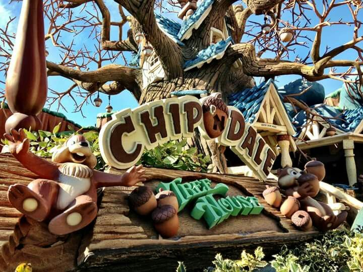 Have you visited Chip 'n Dale Treehouse in Mickey's Toontown to see how the nuttiest duo around live? Just don't take their acorn butter!  Image from Disneyland today facebook page.