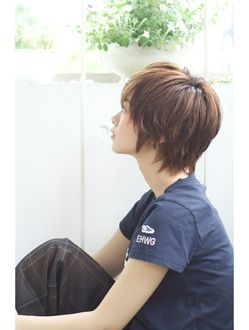 Back of previous cut, probably wouldn't lay so cute with my wavy hair