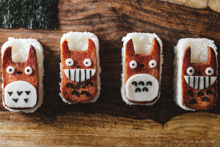 Totoro Spam Musubi   iamafoodblog ... SO CUTE!!!! I <3 spam musubi - and what a cute take on a favorite dish =D