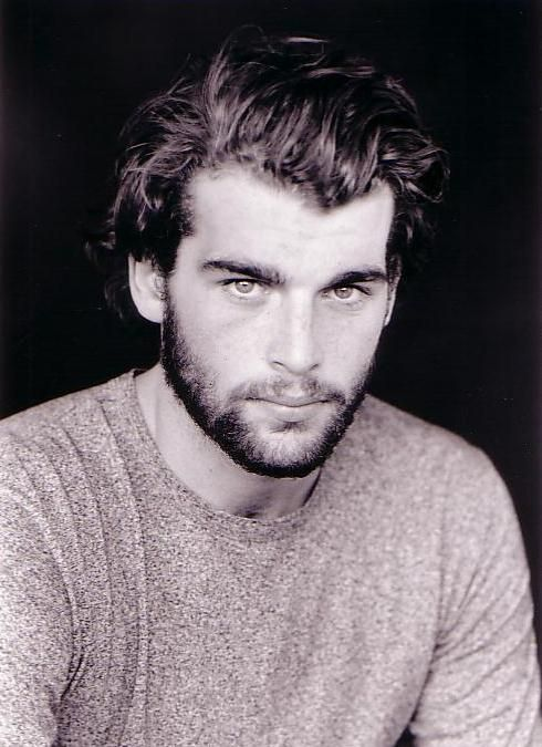 Stanley Weber; Matthew de Clairmont The discovery of Witches, Deborah Harkness