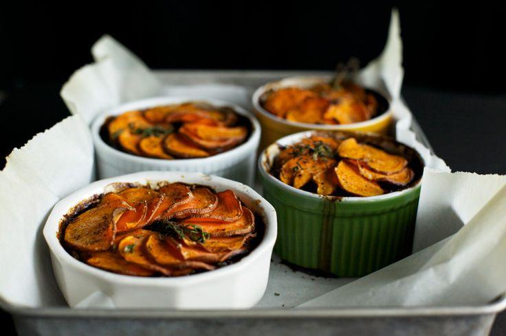 paddestoel + stout pot taarten met zoete aardappel korsten »The First Mess // gezonde veganistische recepten voor elk seizoen