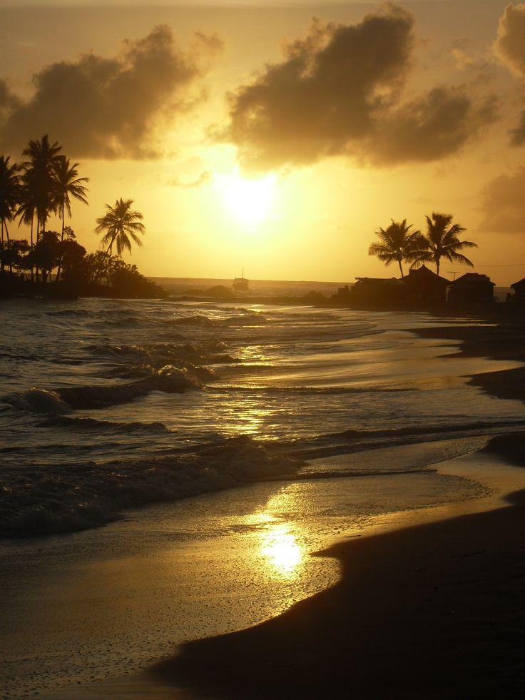 Nascer do sol na Segunda Praia de Morro - BA