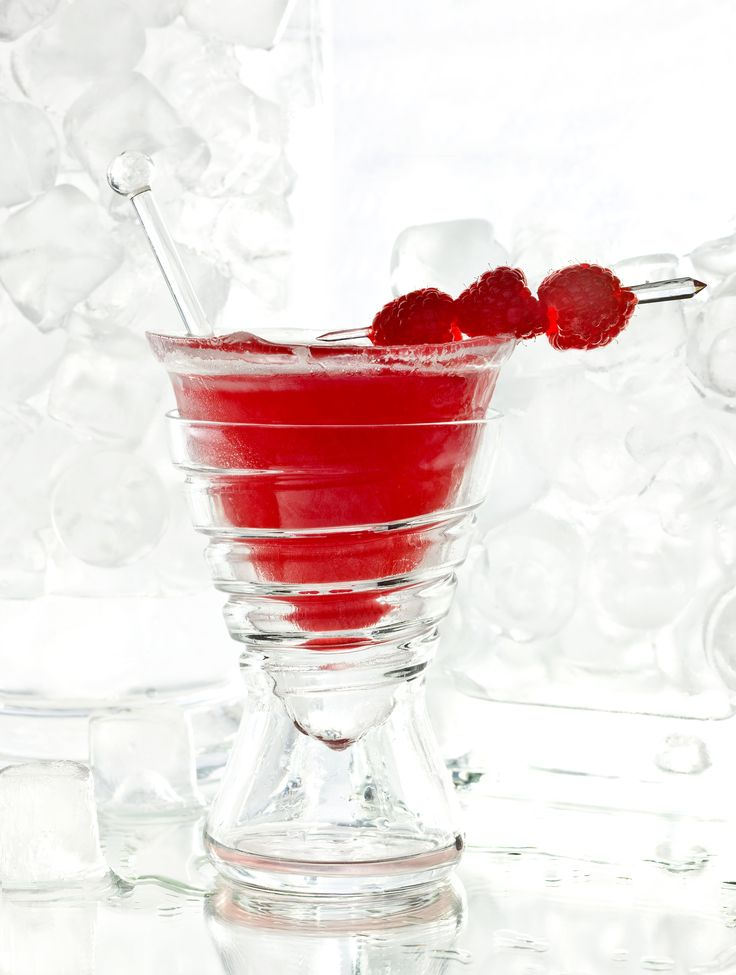 """""""Testarossa"""" is one of the four ice cocktails available at the Principe Bar from 4 to 30 September. Inspired by the main events in town this month, #milanfashionweek and #gpmonza, these colorful cocktails are served in a glass made of ice. Cin cin!"""