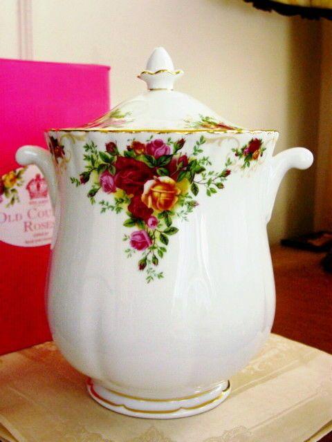 Royal Albert China OLD COUNTRY ROSES Lidded Jar Cookies - NEW / BOX! picclick.com