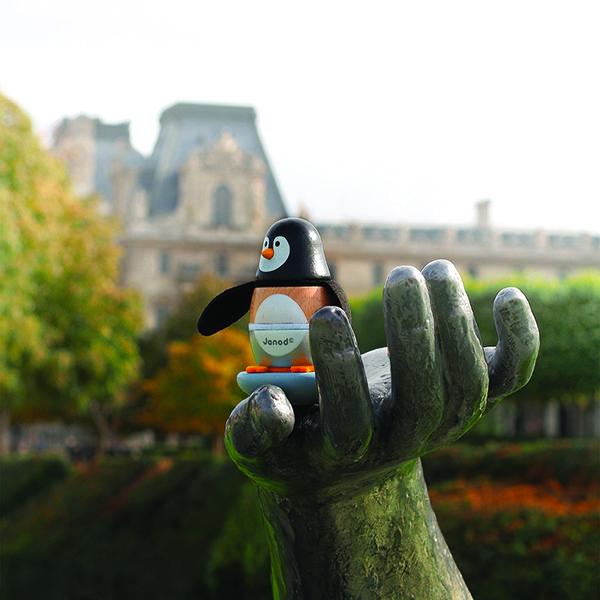 Drevená skladačka dieťatko zaujme nielen pestrými farbami, ale aj pohybom a zvukmi. :) Páči sa vám takéto zvieratko? :) Milého tučniaka nájdete tu: http://bit.ly/1KCX7J7.