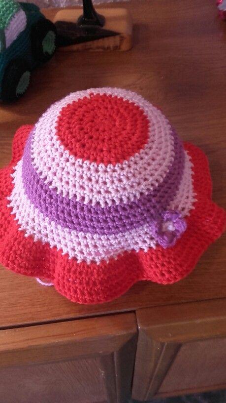 Gorrito niña crochet