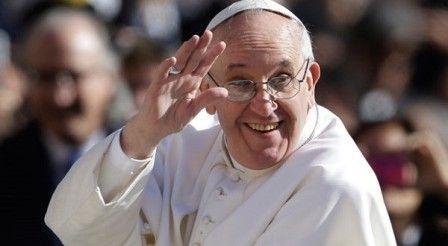 Paus Fransiskus Dukung Pertandingan Sepak Bola Lintas Agama