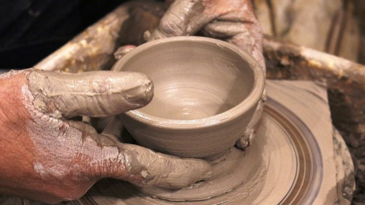 Pottery bowls video: How to make some pottery bowls on potter's wheel. #105
