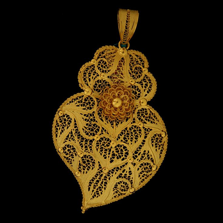 Filigree Heart from Viana do Castelo Jewelry Ourivesaria freitas 2015