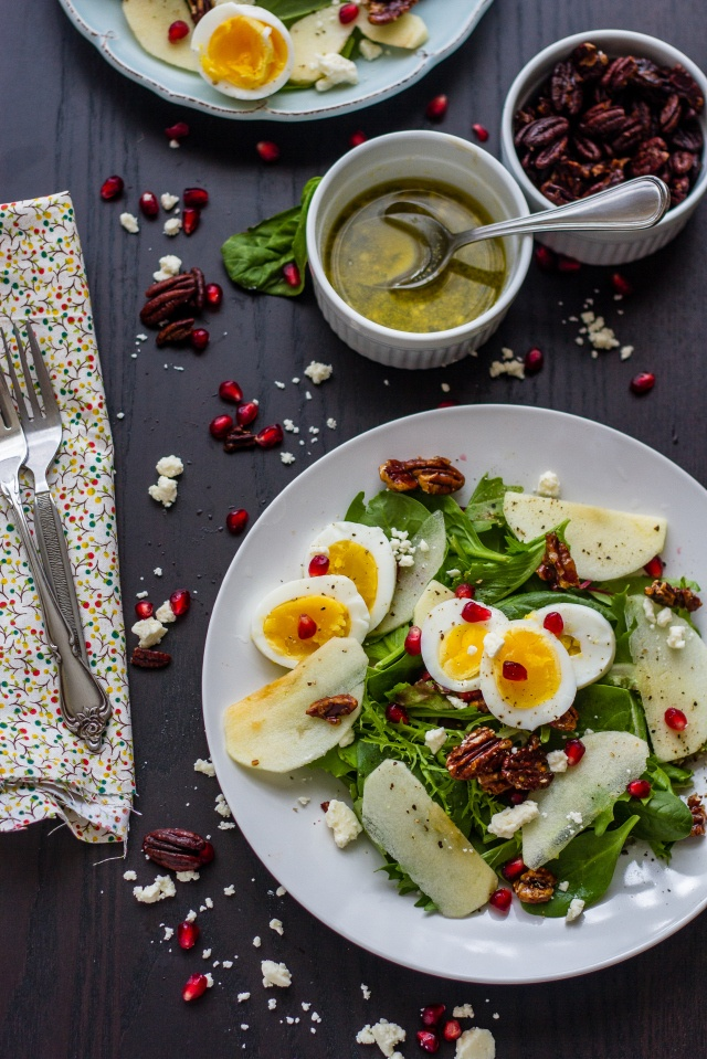 Loving this Apple Pomegranate Fall #Salad. Make #LaBreaBakery bread #croutons for ultimate deliciousness.