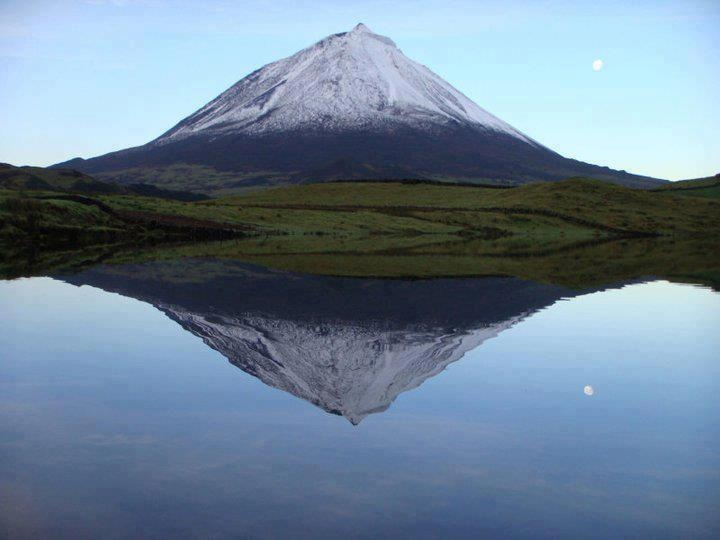 Ilha do Pico, Açores - PORTUGAL...my dads island...