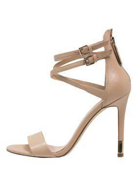 you like nudes? #cocoxocherie #xtraordinary #heels #beige #creme #nude #lovely #weekend #summer