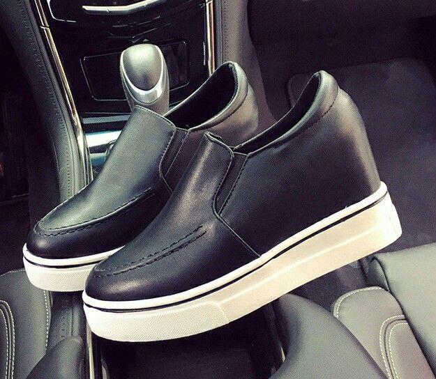 $17.5 ==> $16.5 Black Trend Of The Seasons! #slipon #shoes #onlineshop #oli_oddie