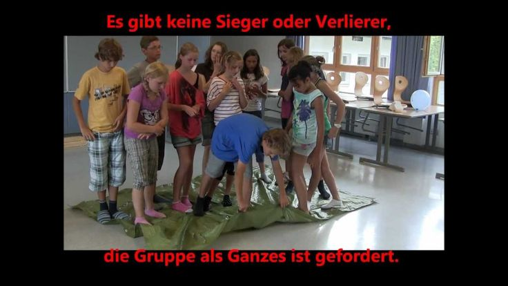 Fliegender Teppich - Kooperationsspiel http://mikula-kurt.net/ Aufgabe: Alle Spieler stellen sich auf den fliegenden Teppich (Decke, Bauplane oder ähnliches...