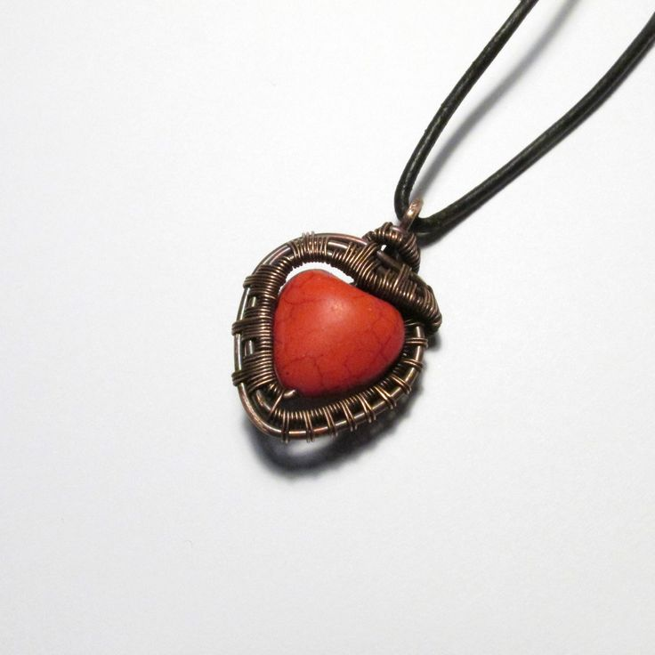 #love #lovependant #beloved #valentine #valentines #valentinesday #luv #heart #heartshaped #red #girl #girly #girlfriend #gift #present #forher #her #pendent #pendant #necklace #jewelry #jewellery #jewelrygift #friendship #sister #mother #small #tiny #smallgift