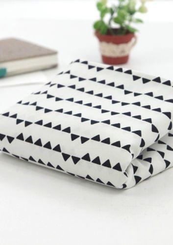 Triangles-noir-100-coton-toile-toutes-tailles-tissu-off-coupes-fft136