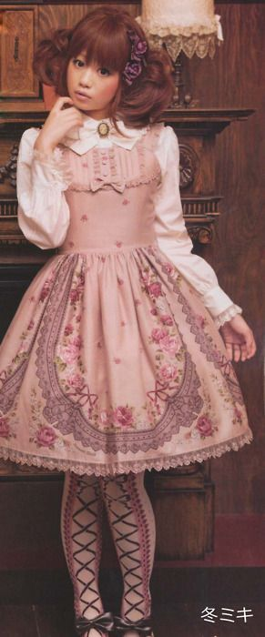 Lolita Dresses~Gone back in time yet cutified!! <3