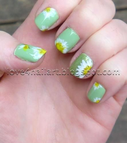 Springtime Daisies: Nail Art for Short Nails! | LUUUX