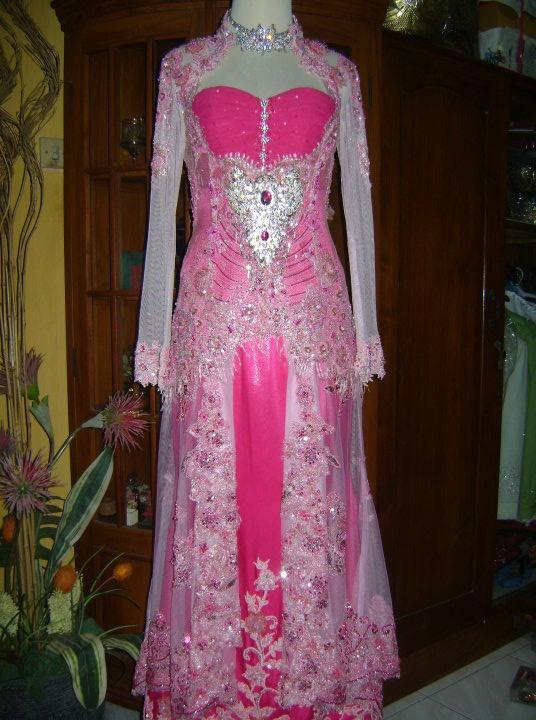 Kebaya Pink