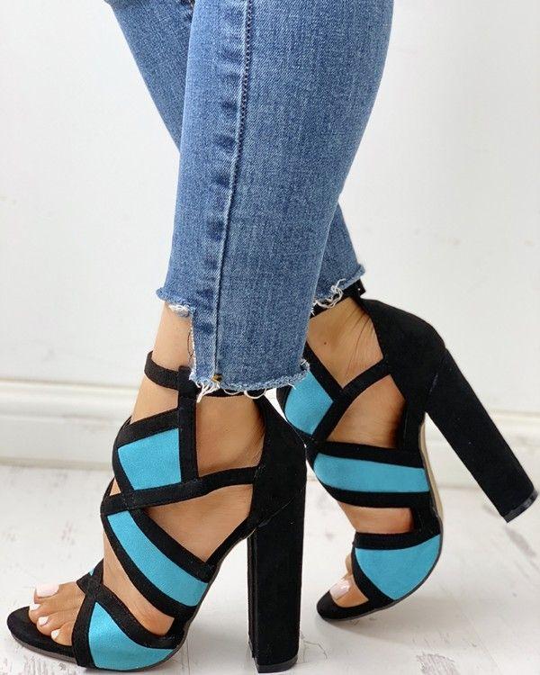 Pin do(a) Jessica Santos em Calçados de 2020 | Sandálias de
