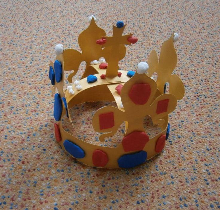 koruna na výzdobu školy - detail