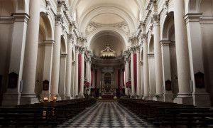 Veduta complessiva della navata della chiesa - Itinerari Brescia - Fotografia di Laura Gatta