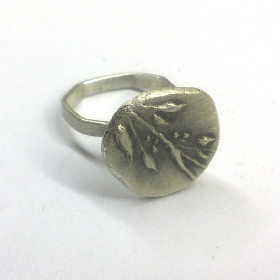 Sterling silver Chevalier Ring by applenamedD on Etsy, €50.00