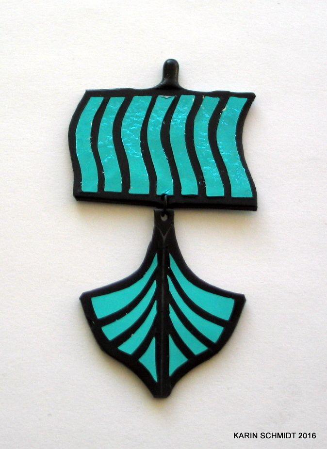 Vikingeskibs-broche. brooch. Friendly plastic.